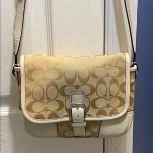 💕 Coach creme white small shoulder bag cute 💕